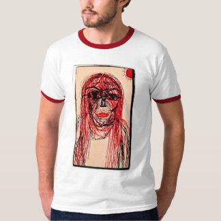 ひもでつながれる Tシャツ