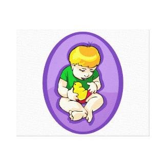 ひよこ紫色oval.pngを握っている幼児 キャンバスプリント
