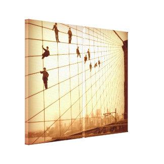 ぶら下がったなブルックリン橋は壁の芸術をケーブルで通信します キャンバスプリント