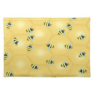 ぶんぶんうなっている蜂 ランチョンマット