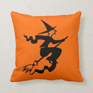 ほうきのハロウィンの装飾の枕|魔法使い クッション