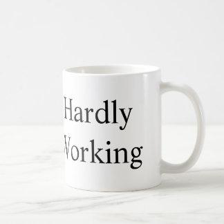 ほとんど働きます コーヒーマグカップ