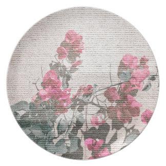 ぼろぼろのシックなスタイルの花柄の写真 プレート