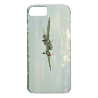 ぽんこつ自動車JU88のLanding_WWIIの飛行機 iPhone 8/7ケース
