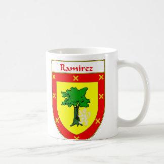 または家紋ラミレスの紋章付き外衣 コーヒーマグカップ
