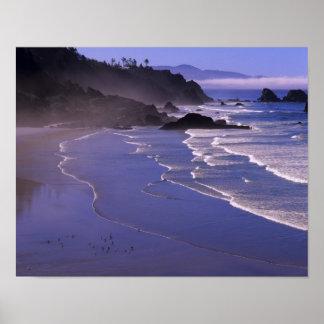 または、オレゴンの海岸、Ecola SPのインドのビーチとの ポスター