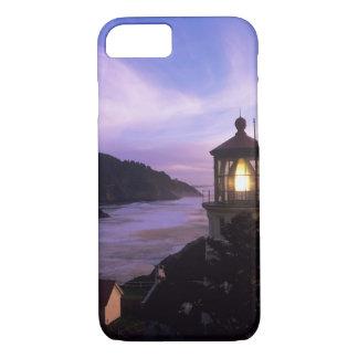 または、オレゴンの海岸、Hecetaのヘッド灯台、 iPhone 8/7ケース