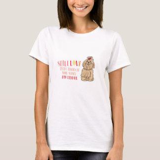 まだシーズー(犬)のTzuの私の基本的なTシャツを愛して下さい Tシャツ