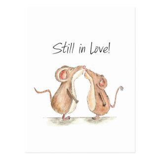 まだ愛- 2つのかわいくキスをするなネズミで ポストカード