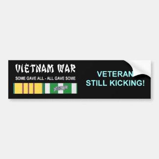 まだ退役軍人を蹴るベトナム戦争 バンパーステッカー