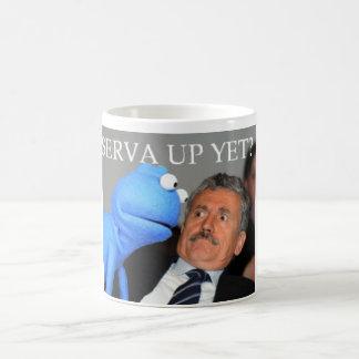 まだServaか。 コーヒーマグカップ