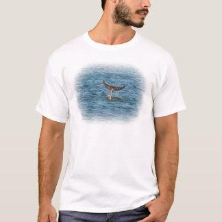 まっすぐのイルカの尾 Tシャツ