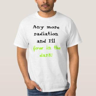 もう放射および私は暗闇で光ります! Tシャツ