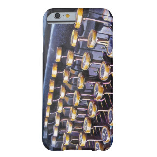 もう1つ BARELY THERE iPhone 6 ケース
