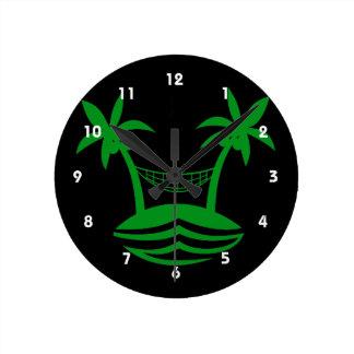 やしハンモックのビーチのスマイルgreen.png ラウンド壁時計
