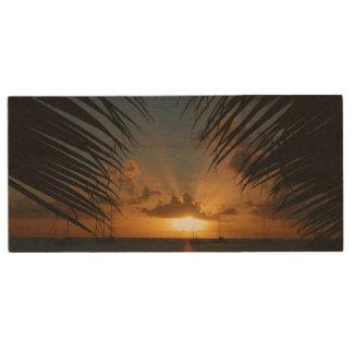 やし葉状体の熱帯海景による日没 ウッドUSBフラッシュドライブ