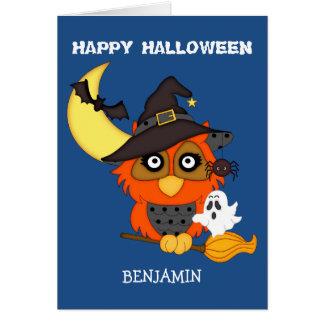 やじり声フクロウの子供ハロウィンを持って下さい カード