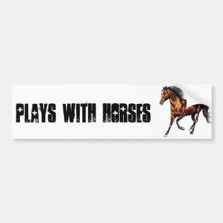 ゆっくりと駆けていく栗毛の馬 バンパーステッカー