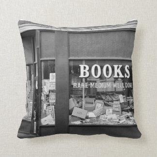 よい本-枕とリラックスして下さい クッション