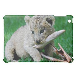 よくはしゃぐなライオン iPad MINIケース