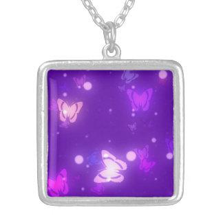 よくはしゃぐな蝶図解入りの、写真付きのなネックレス シルバープレートネックレス