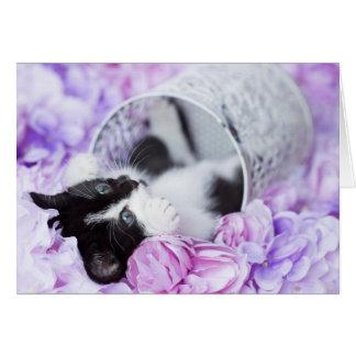 """よくはしゃぐな""""Pippa""""の紫色の花柄のブランクのnotecard カード"""