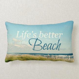 よの生命ビーチの写真の枕で ランバークッション
