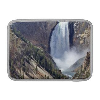 より低い滝のクラシックな概観 MacBook スリーブ