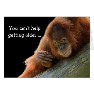 より古い誕生日を得ている若いオランウータン カード