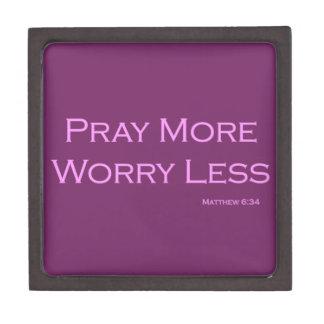 より多くの心配をより少なく祈って下さい ギフトボックス