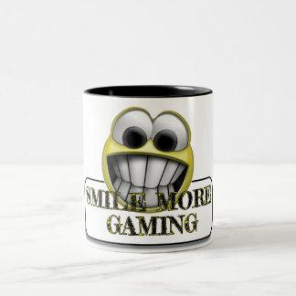 より多くの賭博のマグは微笑します ツートーンマグカップ