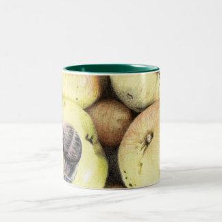 りんごおよびかたつむりの芸術のマグ ツートーンマグカップ