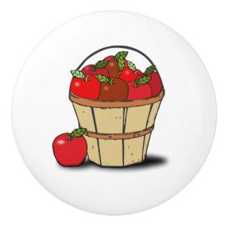 りんごのバスケット-秋の赤いりんごの収穫のバケツ セラミックノブ