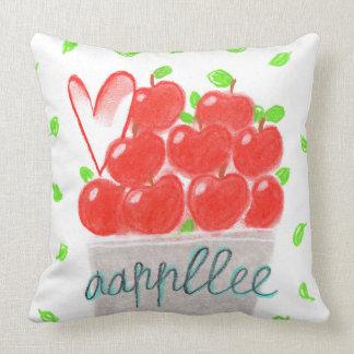 りんごの枕 クッション