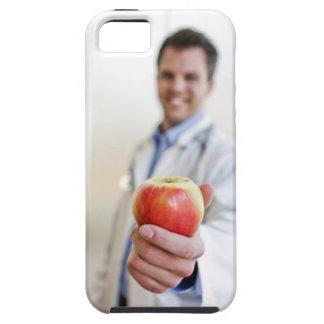 りんごを握っている医者のポートレート iPhone SE/5/5s ケース