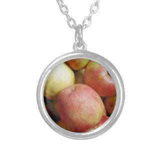 りんご シルバープレートネックレス