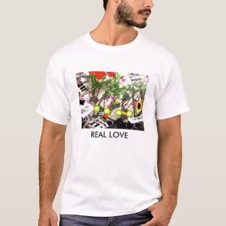 りんご、実質愛と想像して下さい Tシャツ