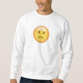 わずかに眉をひそめる顔Emoji スウェットシャツ