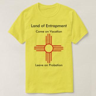 わなに掛ける事のワイシャツの土地 Tシャツ