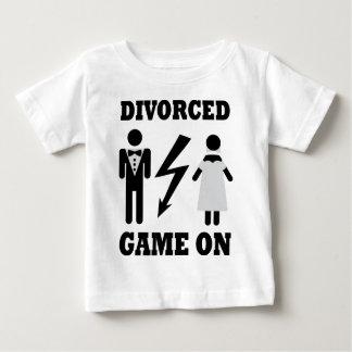 アイコンの離婚されたゲーム ベビーTシャツ