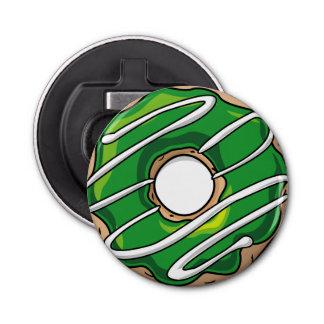 アイシングが付いている中間の緑ドーナツ 栓抜き