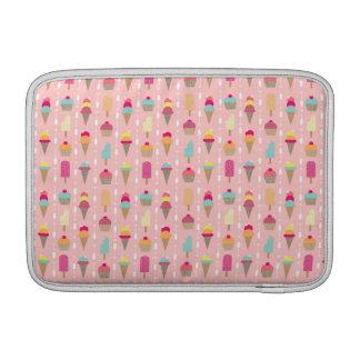 アイスクリームのために叫ぶこと MacBook スリーブ