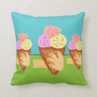 アイスクリームのtentation クッション