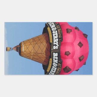 アイスクリームコーンの熱気の気球 長方形シール