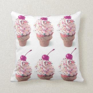 アイスクリーム円錐形の枕 クッション
