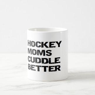 アイスホッケーのお母さんはよりよく抱きしめます コーヒーマグカップ
