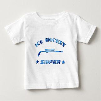 アイスホッケーの狙撃兵の青の迷彩柄 ベビーTシャツ