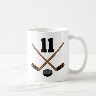 アイスホッケープレーヤーのジャージーの第11ギフト コーヒーマグカップ
