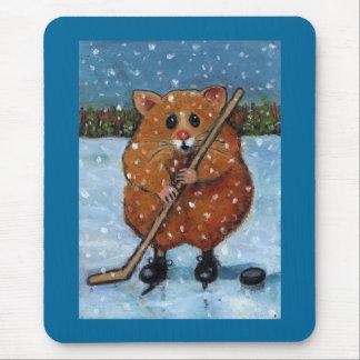 アイスホッケー用スティックを持つハムスター: 芸術 マウスパッド