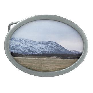 アイスランドの山の景色 卵形バックル